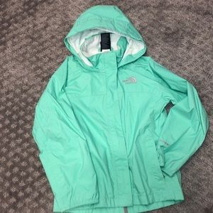 Girls new without tag North Face Hyvent jacket. XS